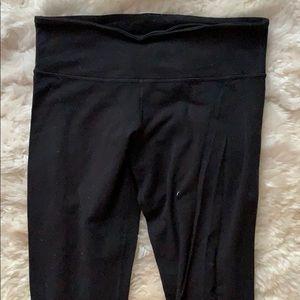Well-loved Lululemon Wunder Under Cropped Pants 8?